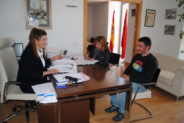Valdemorillo crea 14 puestos de trabajo desde el - Trabajo desde casa madrid ensobrando ...
