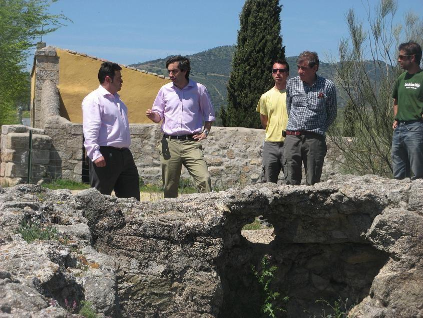 Un museo en el castillo medieval de la ruta de cascorro de - Pavimarsa navas del rey ...