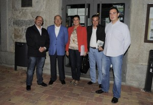 Alcaldesa  con representantes Cruz Roja y Fundación José Tomás.jpg