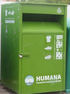 FUNDACIÓN HUMANA RECOGIDA ROPA USADA