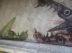 Detalle de uno de los dragones