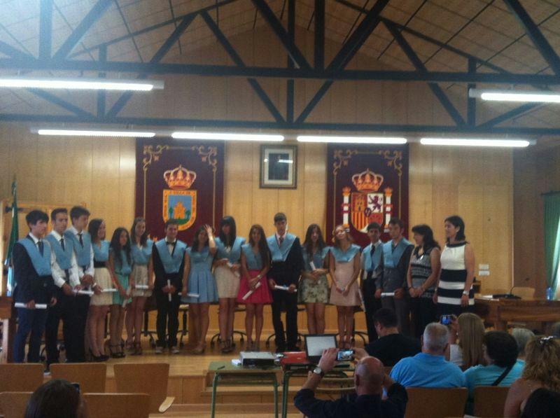 Graduaci n de 6 de primaria y 4 de la eso en navas del - Pavimarsa navas del rey ...