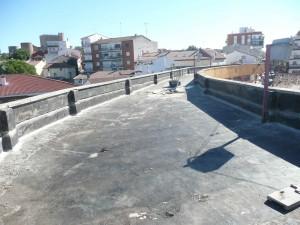 Imagen del estado actual del techado de la Plaza, tras la retirada de la antigua  tela asfáltica.