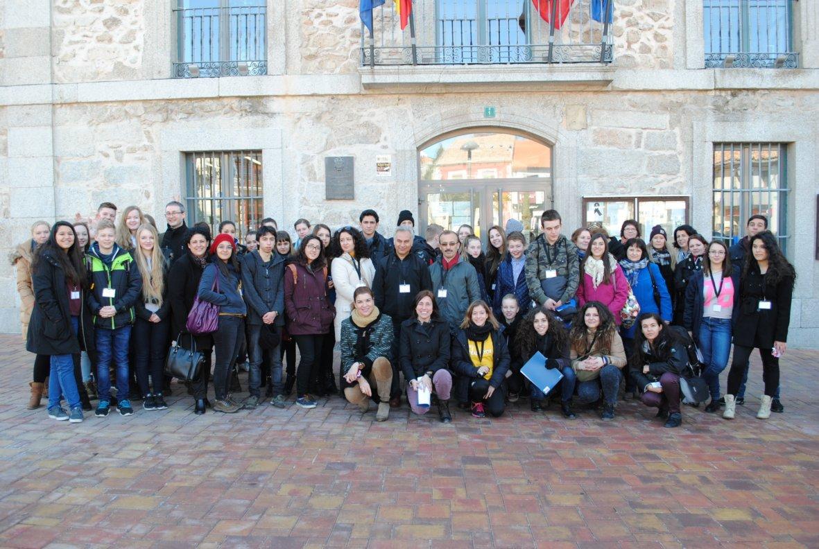 Medio centenar de estudiantes europeos visitan Valdemorillo en el ...