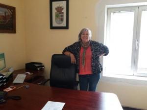 Begoña Alonso, Alcaldesa de Zarzalejo, en su despacho.