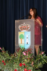 La alcaldesa durante la inauguración del certamen.