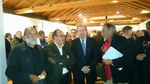 Mariano de la Cooperativa de Cebreros, Rafael Mancebo, Presidente de Vinosdecebreros, con el alcalde de Cebreros, Pedro, y el Presidente de la Junta de Castilla y León.