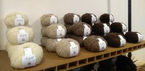 Ovillos de lana  100% autóctona.