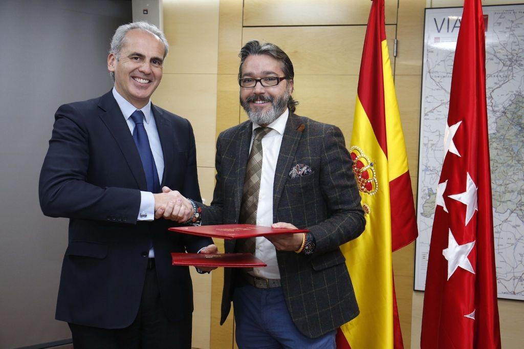 RUIZ ESCUDERO FIRMA LA ADENDA AL CONVENIO DE COLABORACIÓN CON BRUNETE PARA AMPLIAR LOS SERVICIOS DE LA OFICINA CONJUNTA DE ATENCIÓN AL CIUDADANO DEL MUNICIPIO . Foto: D.Sinova / Comunidad de Madrid