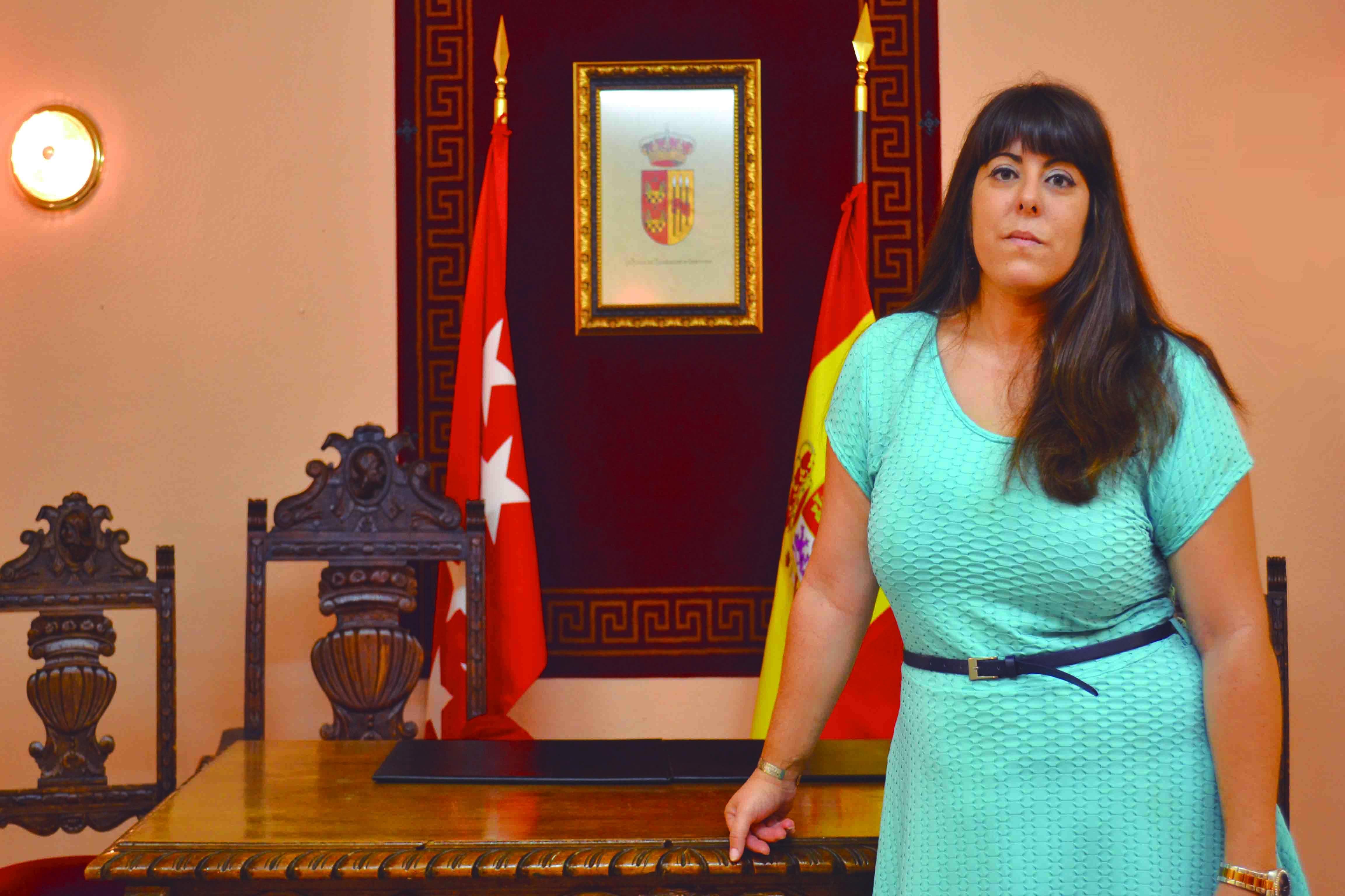 La alcadesa, Natalia Núñez.