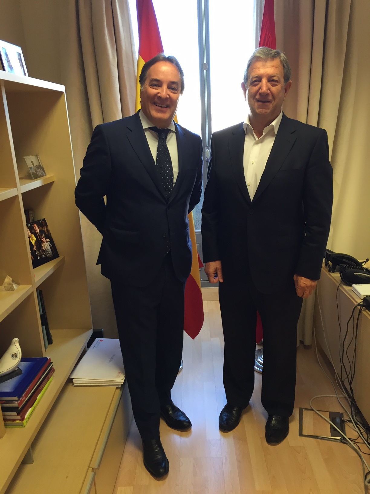 El alcalde, Luis Partida, y el consejero de Medio Ambiente, Admon. Local y Ordenación del Territorio, Jaime González Taboada.