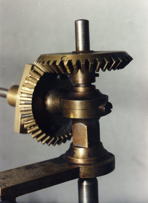 1996_maquinaria-reloj-antiguo006