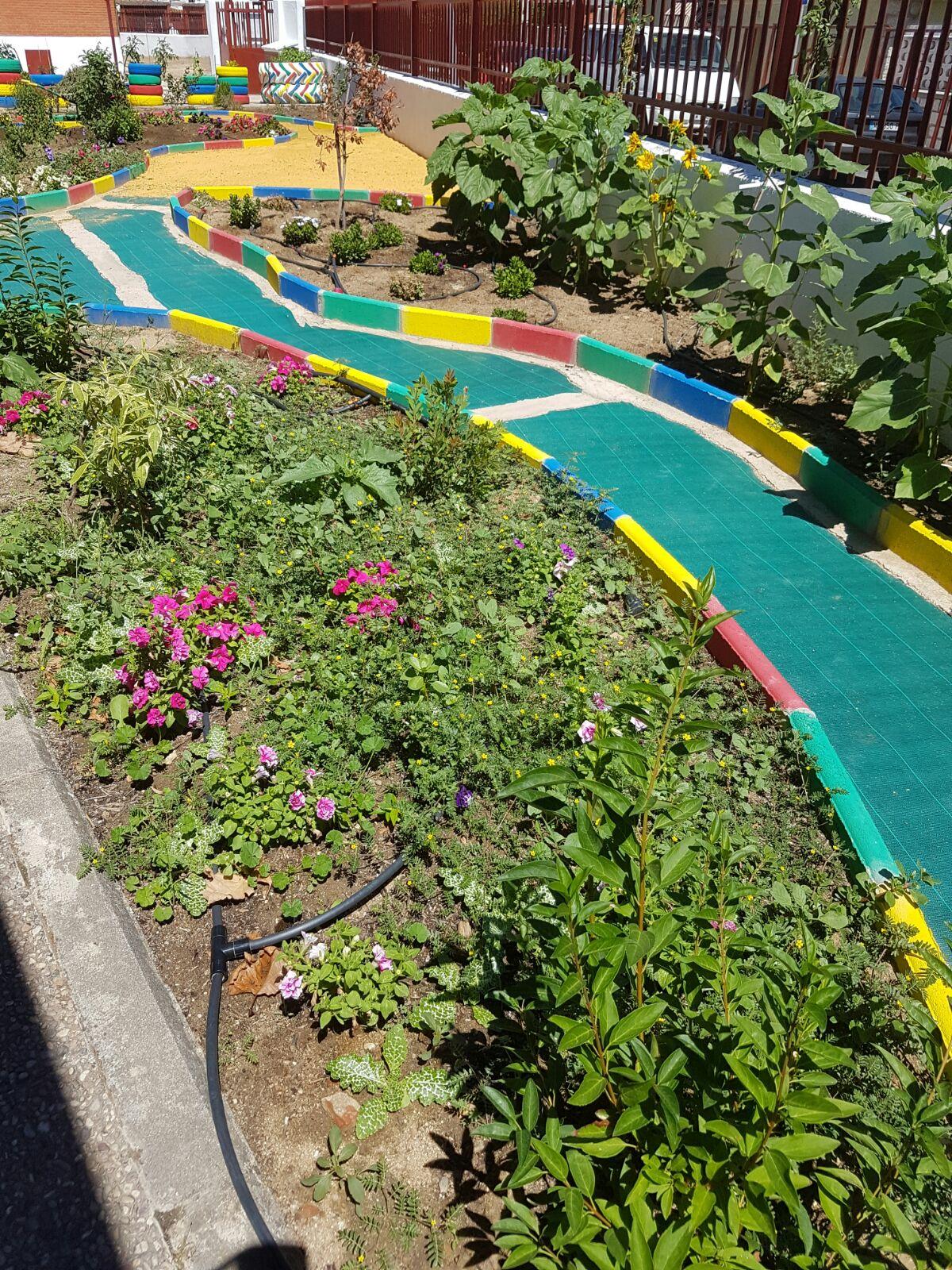 Aldea del fresno a21 peri dico gratuito sierra oeste de for Jardin oriental aldea del fresno