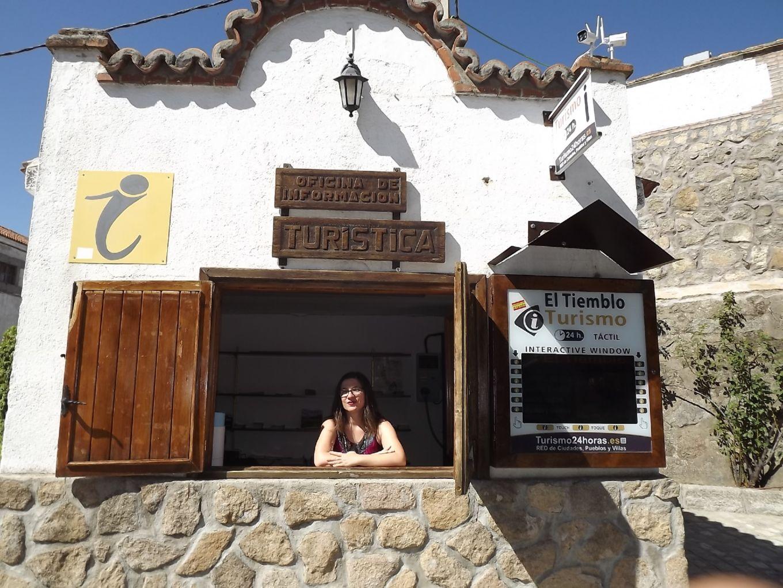 La antigua b scula municipal de el tiemblo convertida en for Oficina de turismo de la comunidad de madrid